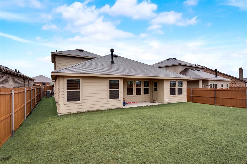 1979 Travertine Avenue, Heartland, Texas 75126 - acquisto real estate best realtor westlake susan cancemi kind realtor of the year