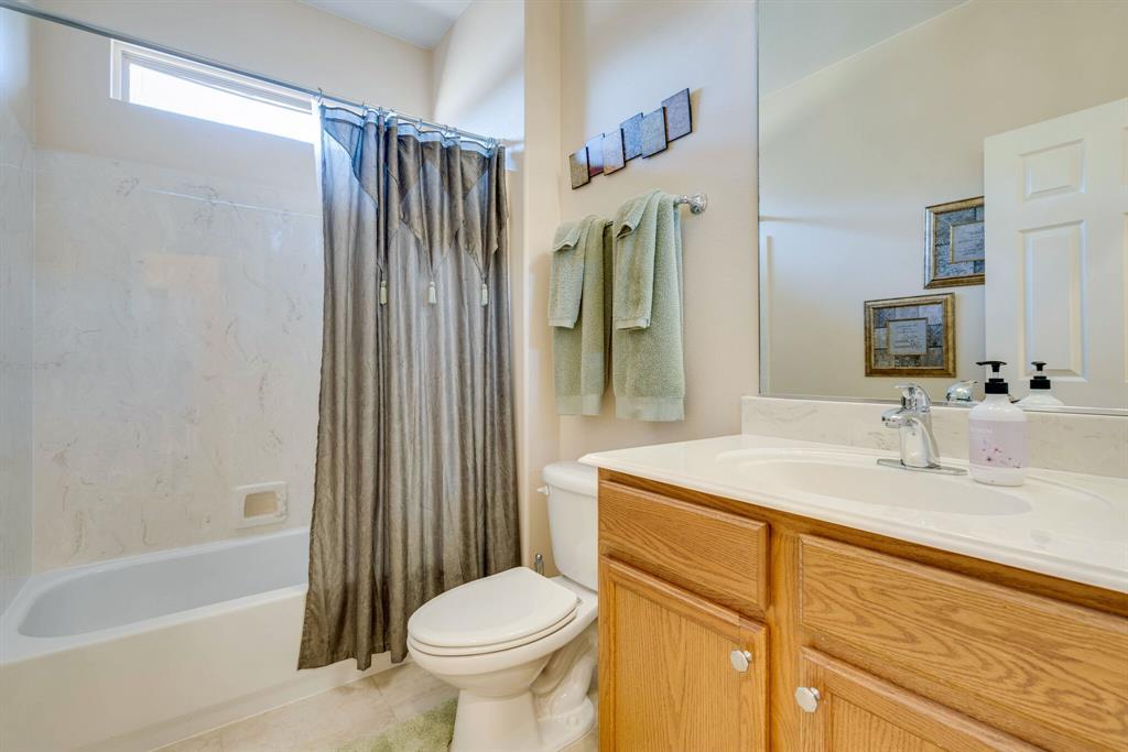 9004 Freeport Drive, Denton, Texas 76207 - acquisto real estate best highland park realtor amy gasperini fast real estate service