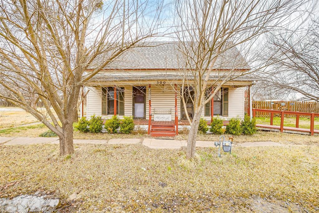 300 Dallas Street, Palmer, Texas 75152 - Acquisto Real Estate best frisco realtor Amy Gasperini 1031 exchange expert
