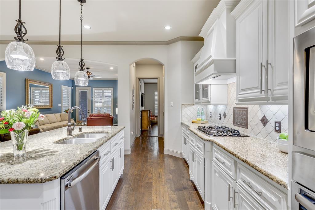 3920 Brookridge Court, Bedford, Texas 76021 - acquisto real estate best highland park realtor amy gasperini fast real estate service