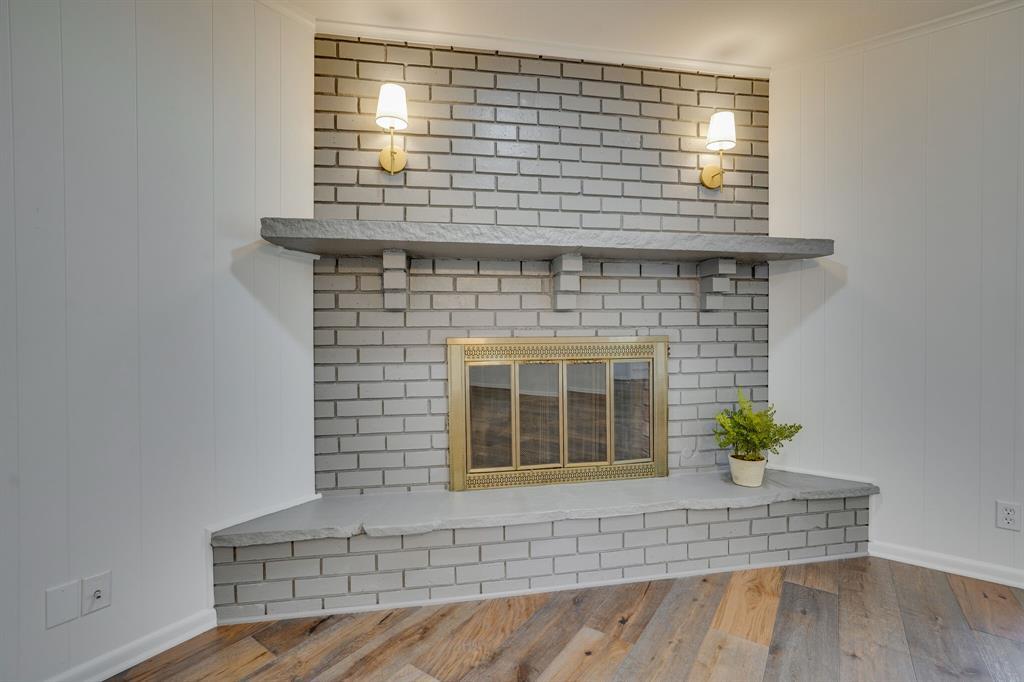 400 Plainview Drive, Hurst, Texas 76054 - acquisto real estate best designer and realtor hannah ewing kind realtor