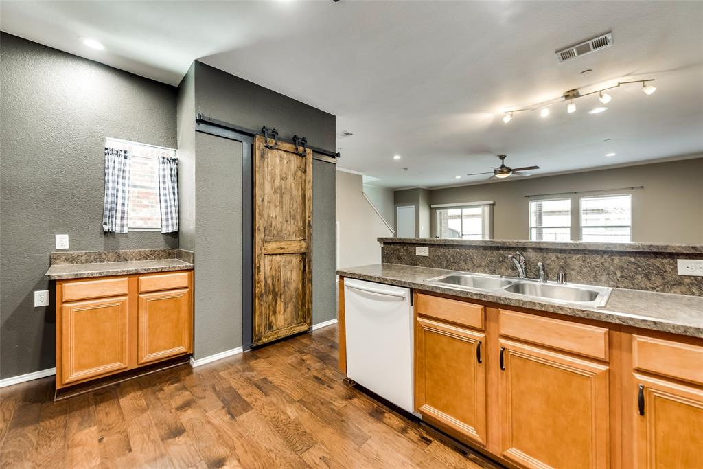 5945 Lost Valley Drive, The Colony, Texas 75056 - acquisto real estate best real estate company in frisco texas real estate showings