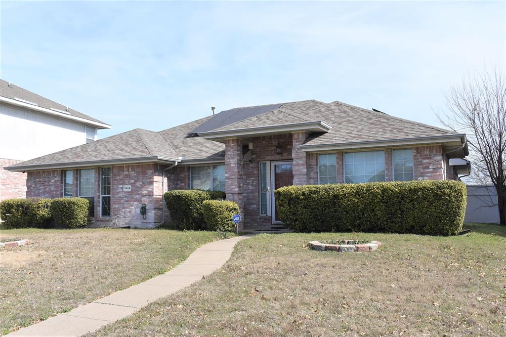 1424 Chapman Drive, Lancaster, Texas 75134 - Acquisto Real Estate best plano realtor mike Shepherd home owners association expert