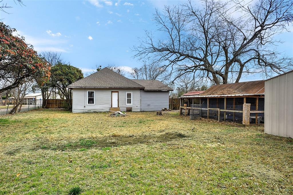 204 Britton Street, Tom Bean, Texas 75491 - acquisto real estate best park cities realtor kim miller best staging agent