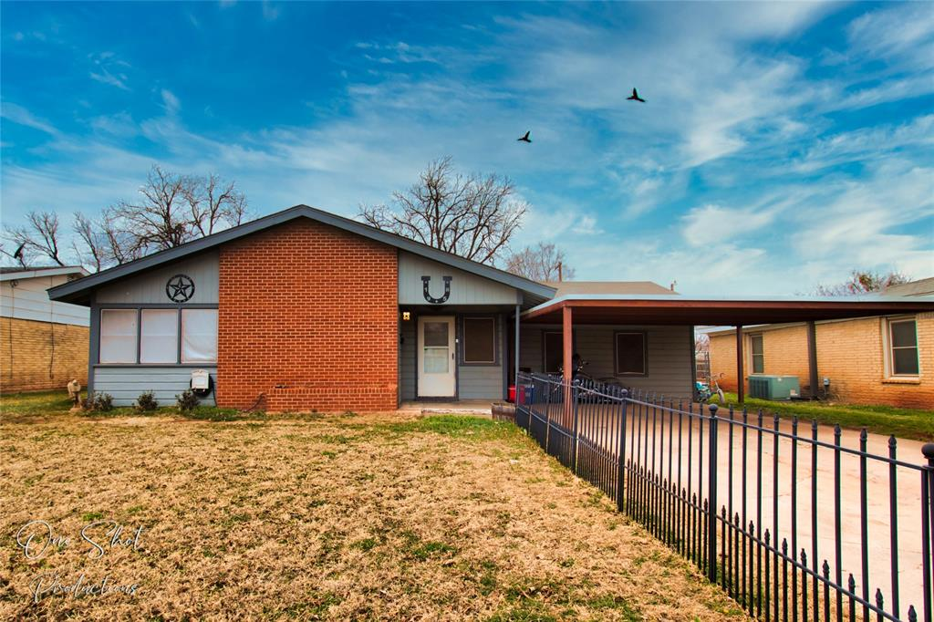 1958 Mockingbird Lane, Abilene, Texas 79603 - Acquisto Real Estate best plano realtor mike Shepherd home owners association expert