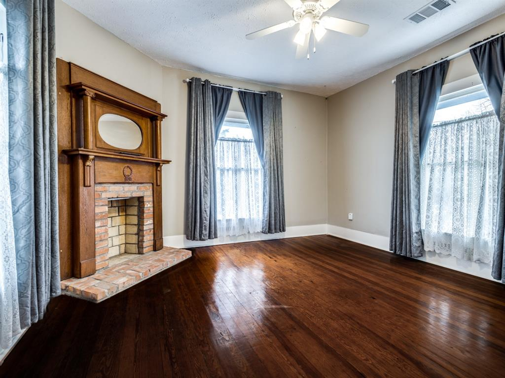 601 Parker Street, McKinney, Texas 75069 - acquisto real estate best frisco real estate agent amy gasperini panther creek realtor