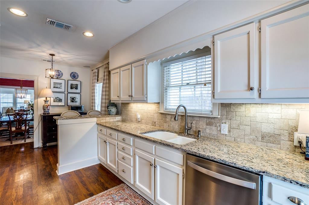 5827 Morningside Avenue, Dallas, Texas 75206 - acquisto real estate best new home sales realtor linda miller executor real estate