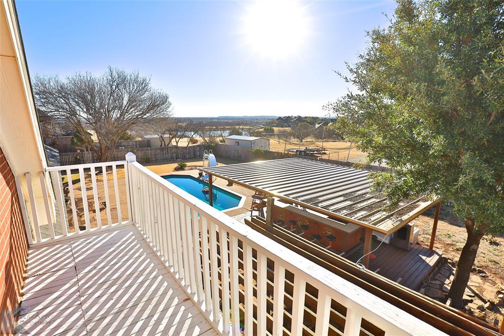 8541 Saddle Creek Road, Abilene, Texas 79602 - acquisto real estate best park cities realtor kim miller best staging agent