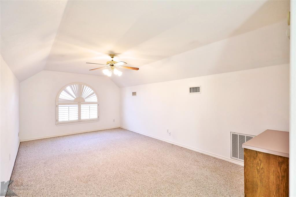 8541 Saddle Creek Road, Abilene, Texas 79602 - acquisto real estate best negotiating realtor linda miller declutter realtor