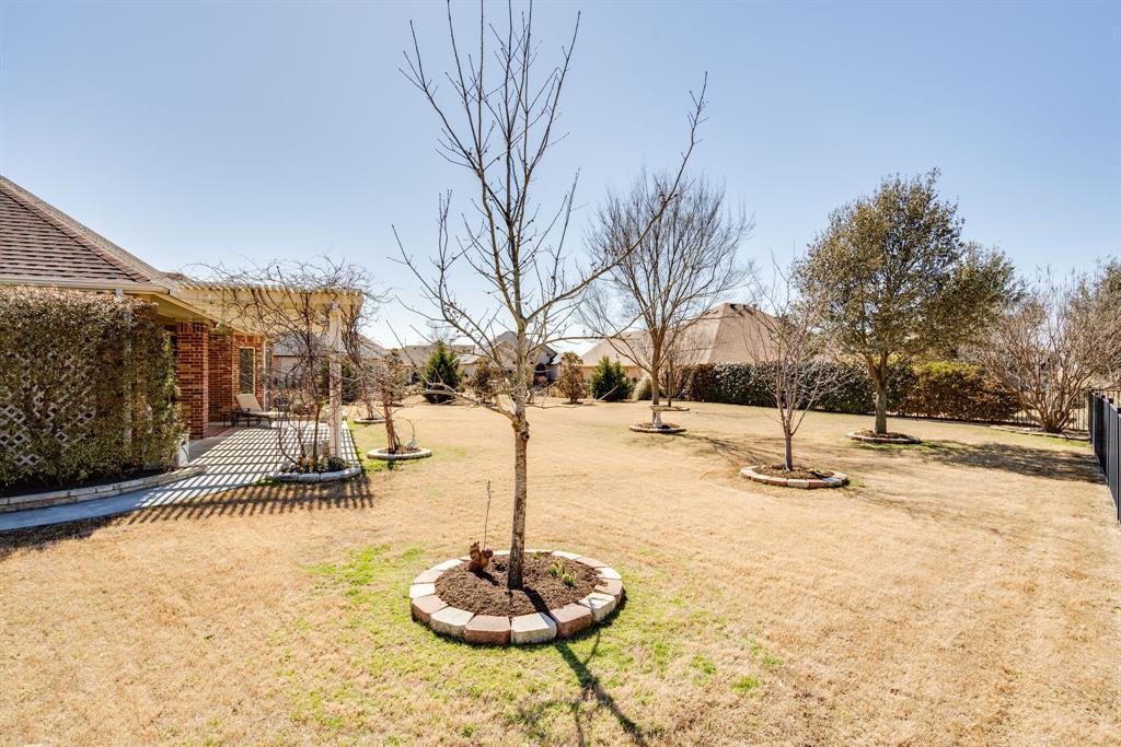 9004 Freeport Drive, Denton, Texas 76207 - acquisto real estate best plano real estate agent mike shepherd