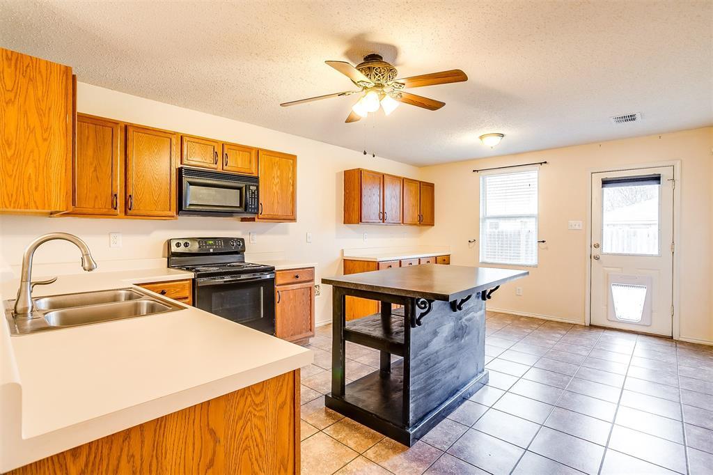3848 Irish Setter Drive, Fort Worth, Texas 76123 - acquisto real estate best listing agent in the nation shana acquisto estate realtor