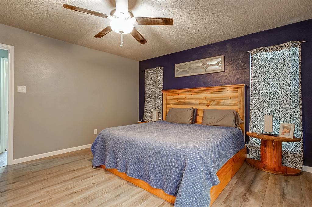 2909 Lake Park Drive Grand Prairie, Texas 75052 - acquisto real estate best new home sales realtor linda miller executor real estate