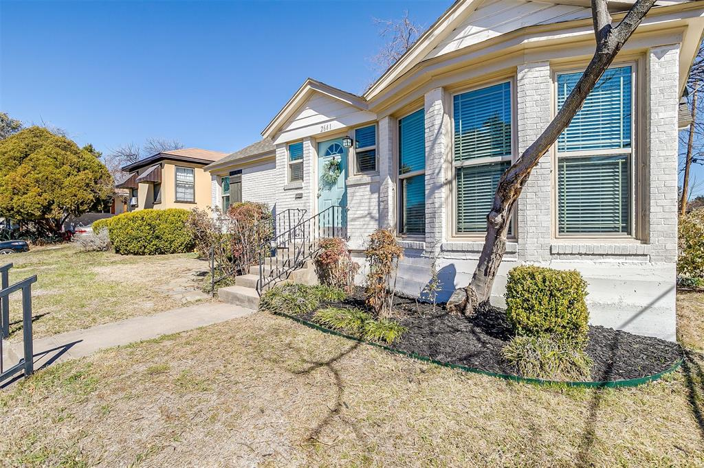 2641 Forest Park Boulevard, Fort Worth, Texas 76110 - Acquisto Real Estate best plano realtor mike Shepherd home owners association expert