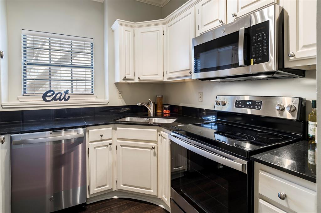 6004 Auburndale Avenue, University Park, Texas 75205 - acquisto real estate best highland park realtor amy gasperini fast real estate service