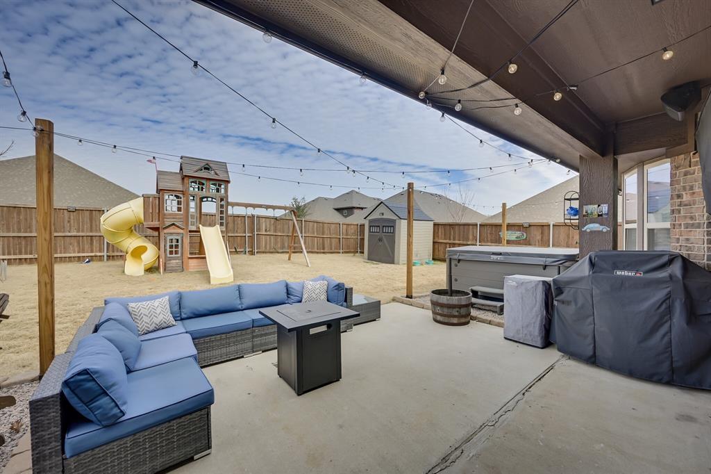 1617 Wright Street, Savannah, Texas 76227 - acquisto real estate best negotiating realtor linda miller declutter realtor