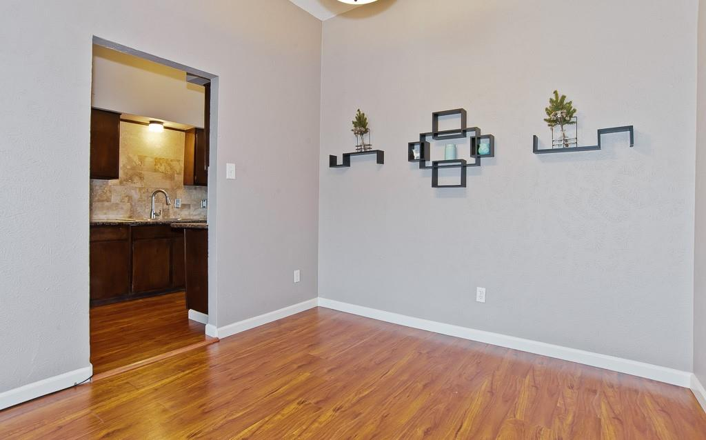 5105 Skillman  Street, Dallas, Texas 75206 - acquisto real estate best real estate company to work for