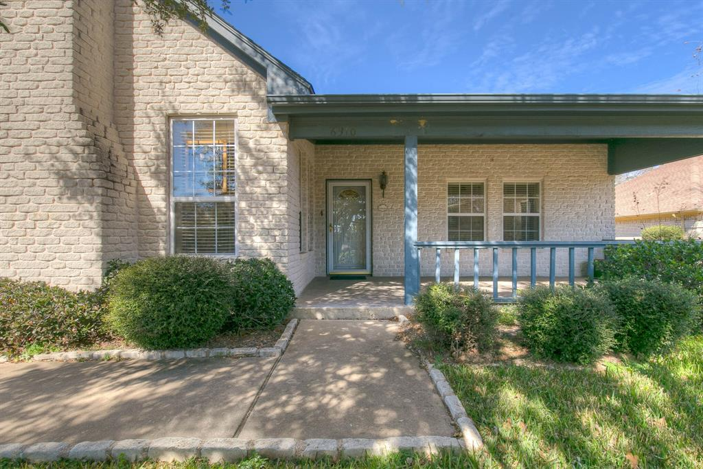 6510 Circo Drive, Granbury, Texas 76049 - Acquisto Real Estate best plano realtor mike Shepherd home owners association expert