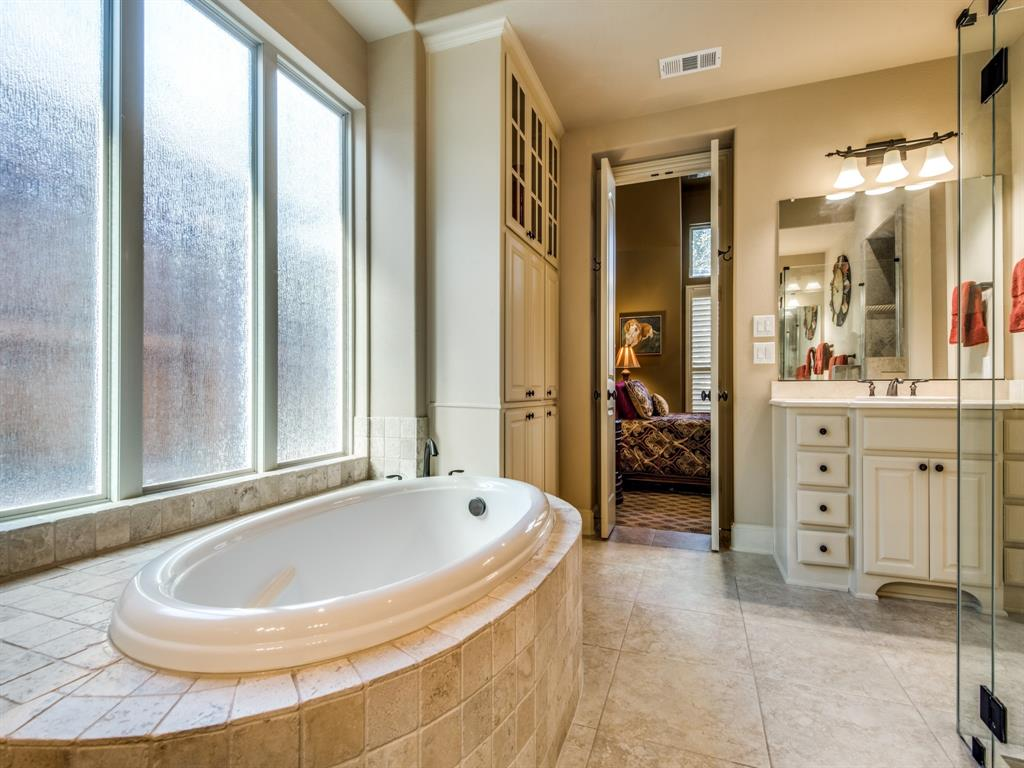 659 Brookstone Drive, Irving, Texas 75039 - acquisto real estate best designer and realtor hannah ewing kind realtor