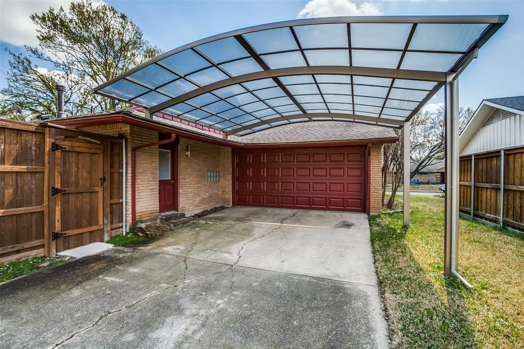 3139 Whirlaway Road, Dallas, Texas 75229 - acquisto real estate best park cities realtor kim miller best staging agent