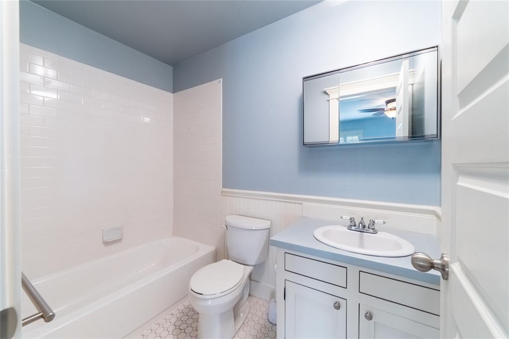 1325 Fairmount Avenue, Fort Worth, Texas 76104 - acquisto real estate mvp award real estate logan lawrence