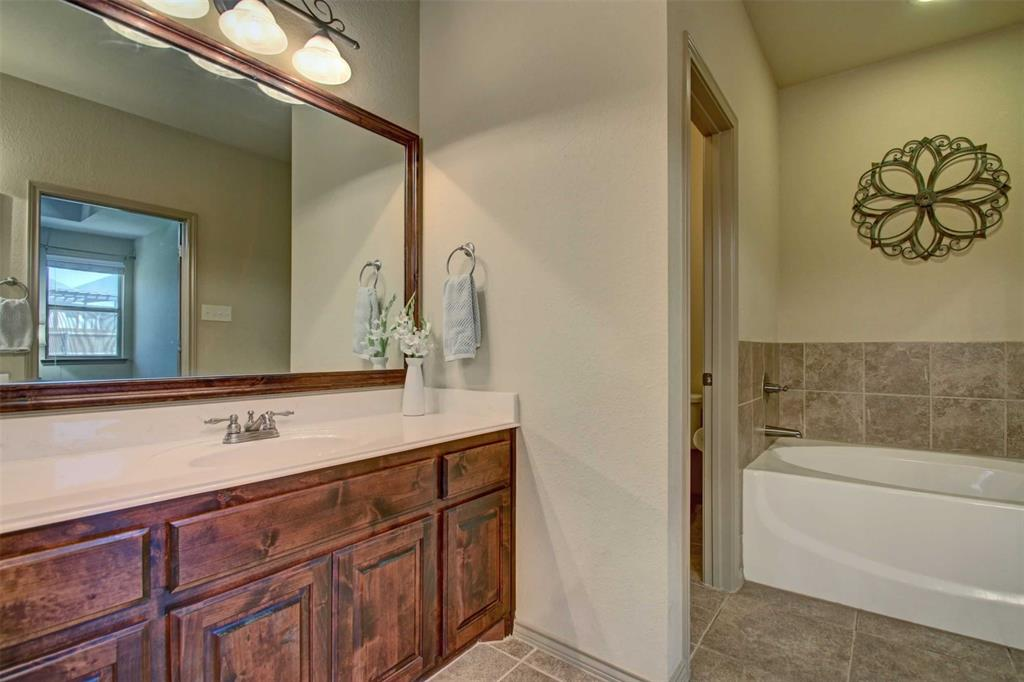 1684 Fraser Drive, Burleson, Texas 76028 - acquisto real estate best style realtor kim miller best real estate reviews dfw