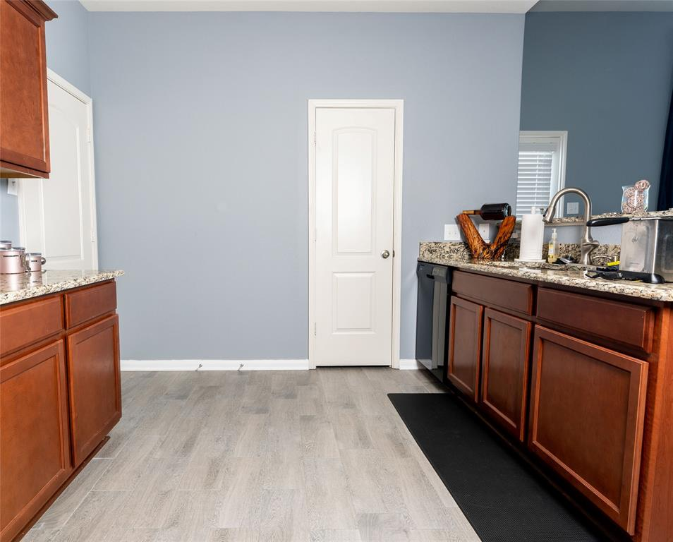 9835 Whistler  Drive, Dallas, Texas 75217 - acquisto real estate best listing agent in the nation shana acquisto estate realtor
