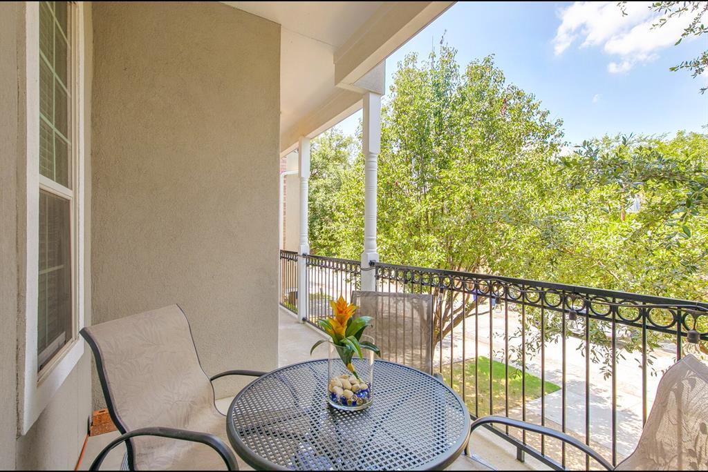 5800 La Vista Drive, Dallas, Texas 75206 - acquisto real estate best realtor dfw jody daley liberty high school realtor