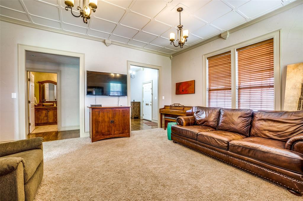 4612 Live Oak Street, Dallas, Texas 75204 - acquisto real estate best prosper realtor susan cancemi windfarms realtor