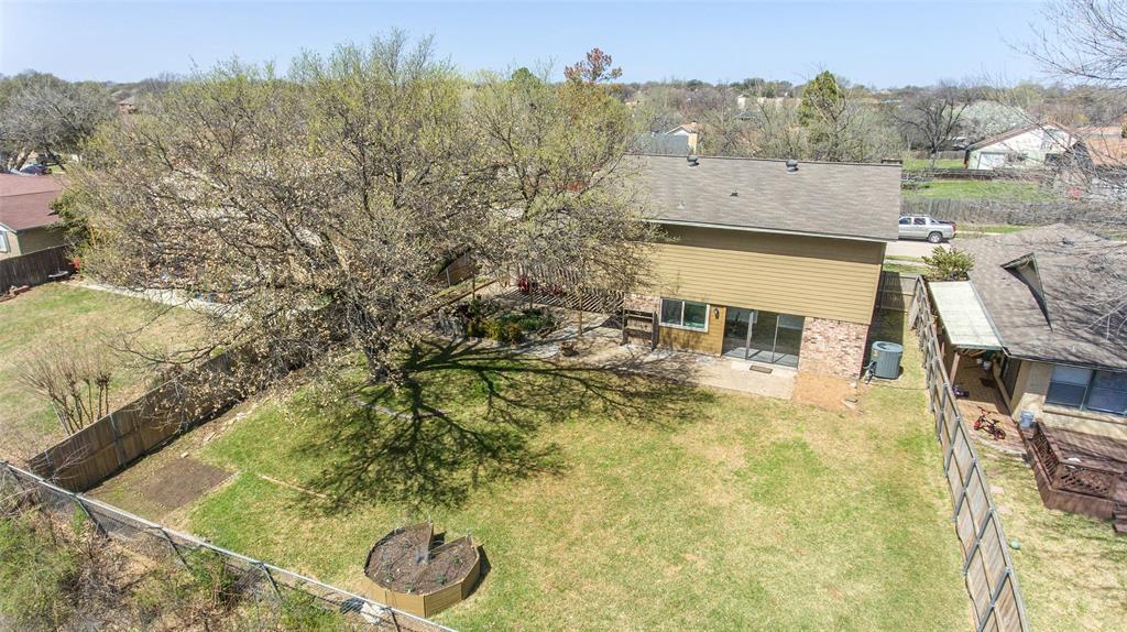 2412 Via Bonita  Carrollton, Texas 75006 - acquisto real estate agent of the year mike shepherd