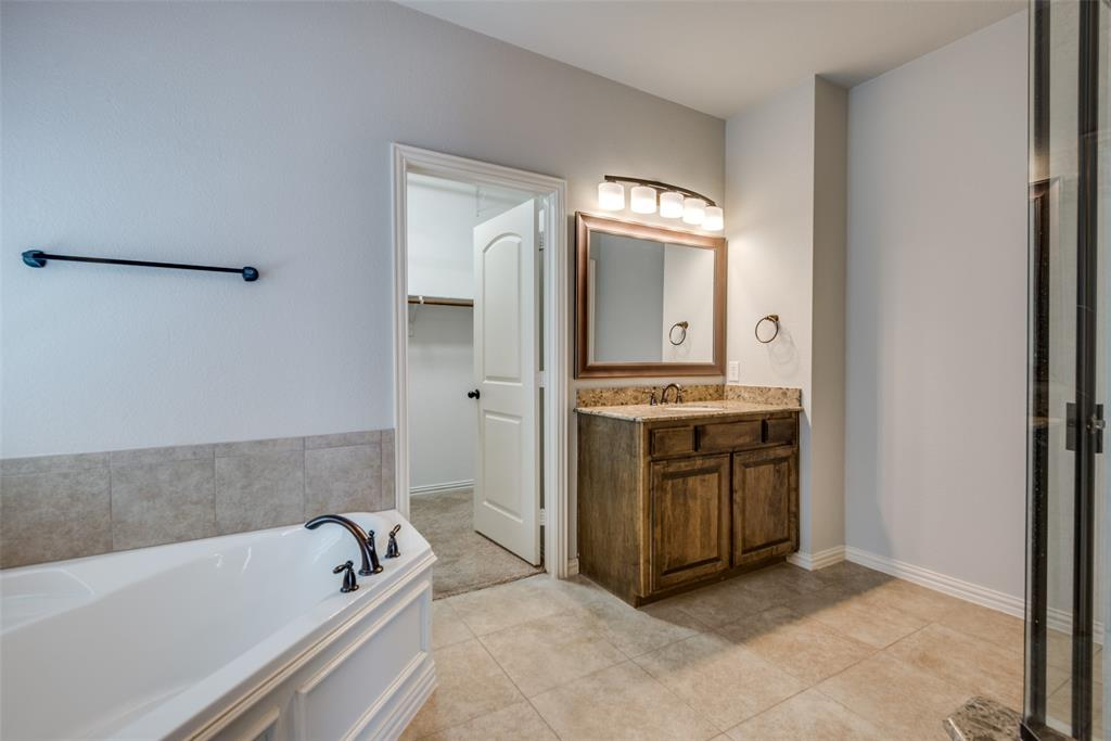 1054 Fossil Lake Dr Frisco, Texas 75036 - acquisto real estate best designer and realtor hannah ewing kind realtor
