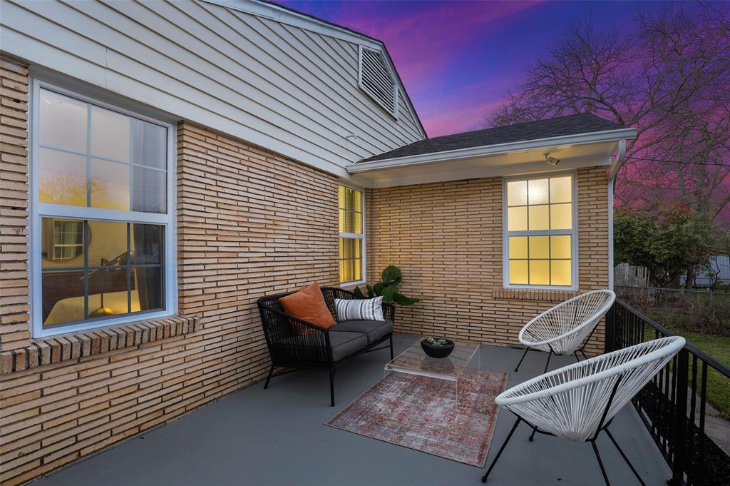 418 Montreal Avenue, Dallas, Texas 75208 - acquisto real estate best frisco real estate agent amy gasperini panther creek realtor