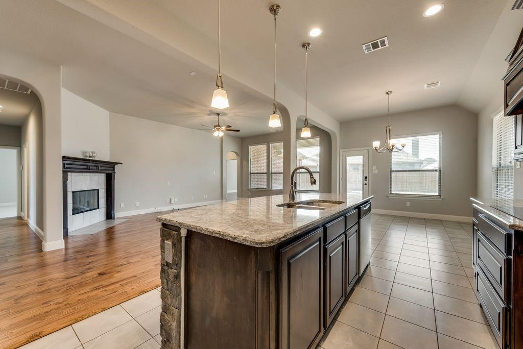 420 Foxtail Court, Waxahachie, Texas 75165 - acquisto real estate best highland park realtor amy gasperini fast real estate service