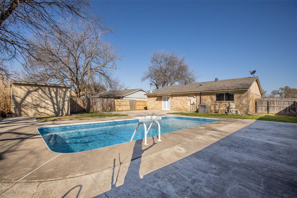 10125 Peppertree Lane, Fort Worth, Texas 76108 - acquisto real estate best photo company frisco 3d listings