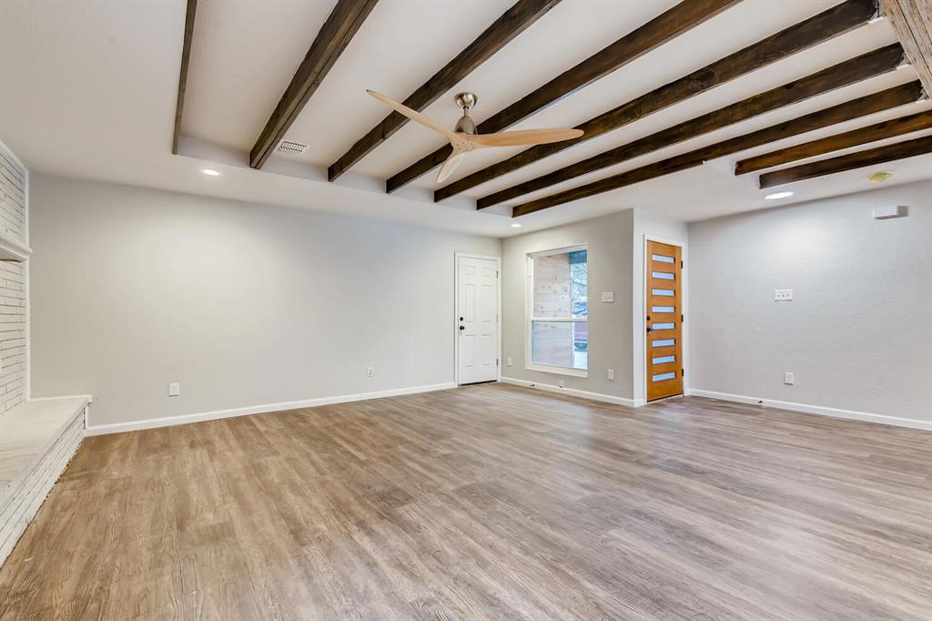 2912 Lawrence Street, Irving, Texas 75061 - acquisto real estate best photos for luxury listings amy gasperini quick sale real estate