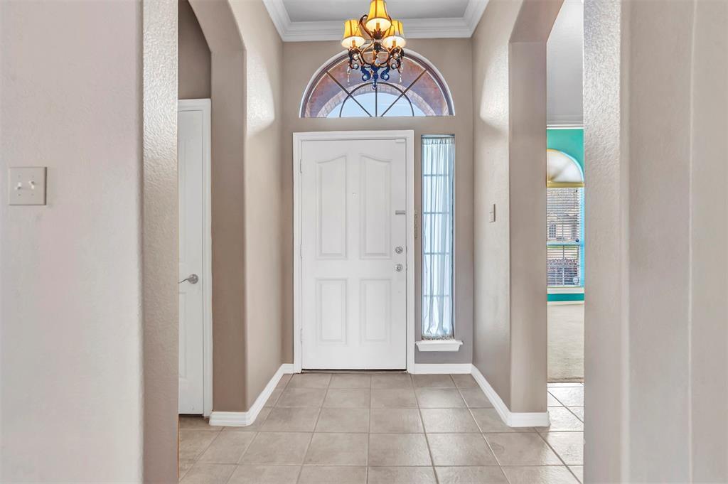 1811 Swaim Court, Arlington, Texas 76001 - acquisto real estate best prosper realtor susan cancemi windfarms realtor