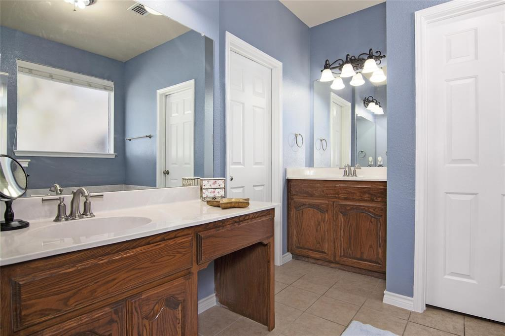 1160 Grove  Court, Burleson, Texas 76028 - acquisto real estate best designer and realtor hannah ewing kind realtor