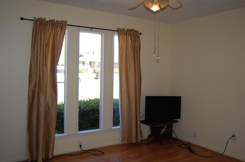 1211 Cindy Lane, Cleburne, Texas 76033 - acquisto real estate best new home sales realtor linda miller executor real estate
