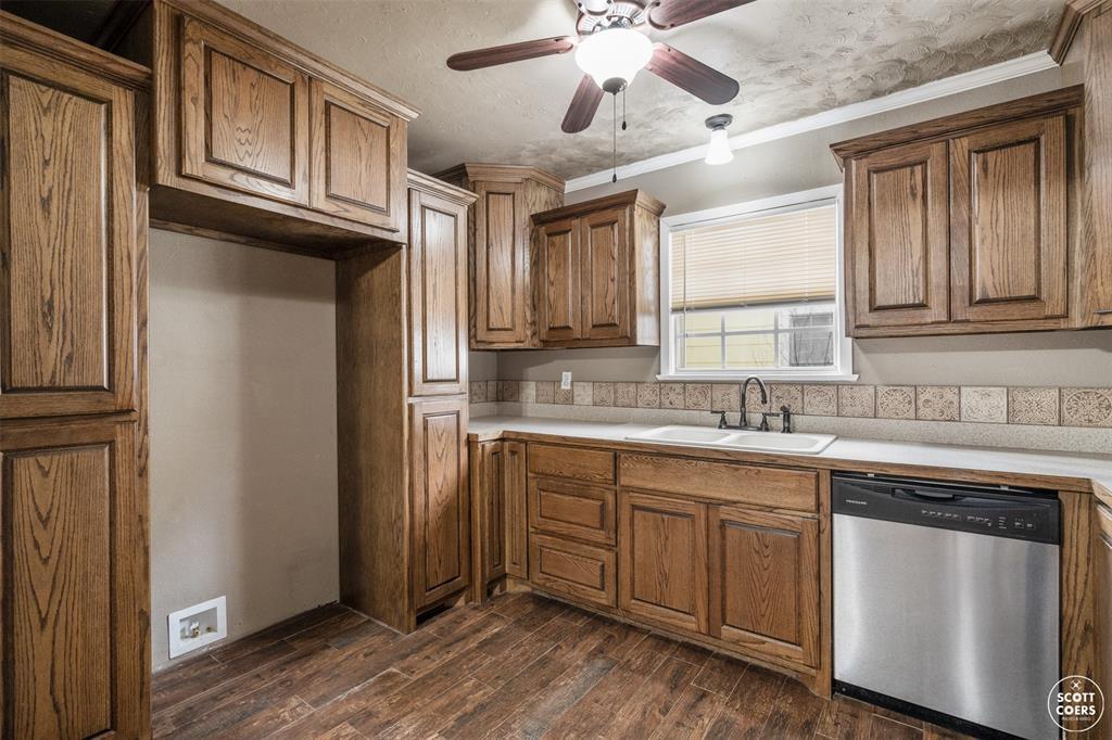 2313 1st  Street, Brownwood, Texas 76801 - acquisto real estate best luxury buyers agent in texas shana acquisto inheritance realtor