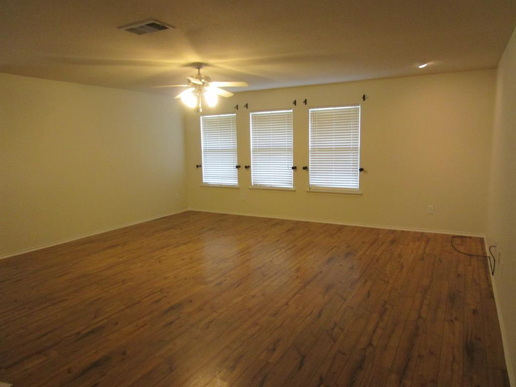 2050 Old Glory Lane, Heartland, Texas 75126 - acquisto real estate best real estate company to work for