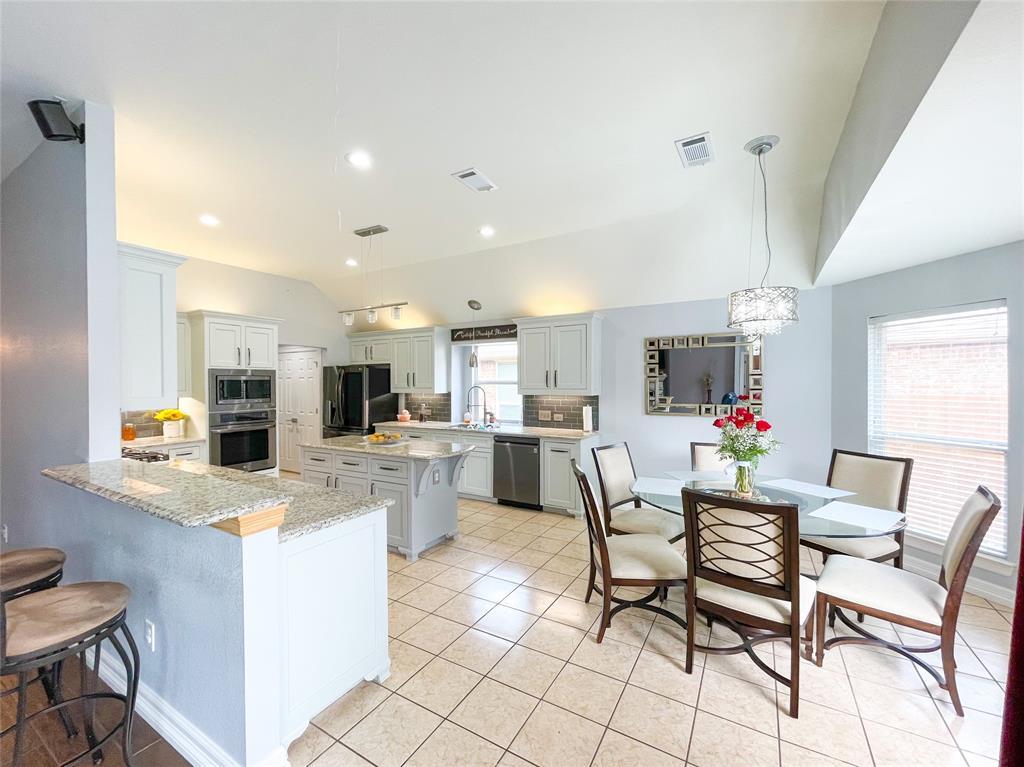 8633 Deepwood Lane, Fort Worth, Texas 76123 - acquisto real estate best luxury buyers agent in texas shana acquisto inheritance realtor