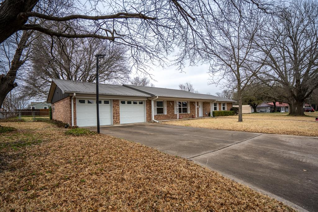 1910 Jefferson Street, Commerce, Texas 75428 - acquisto real estate best allen realtor kim miller hunters creek expert