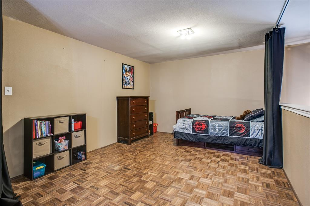 528 Winbridge Lane, Fort Worth, Texas 76052 - acquisto real estate best realtor foreclosure real estate mike shepeherd walnut grove realtor
