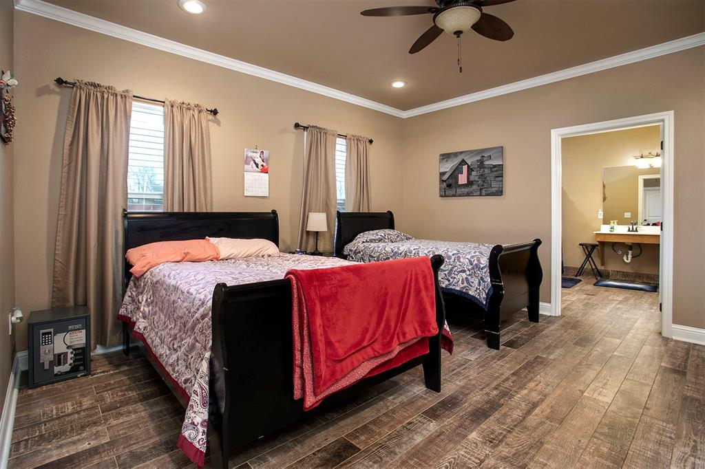 180 Bois D Arc  Street, Van, Texas 75790 - acquisto real estate best prosper realtor susan cancemi windfarms realtor