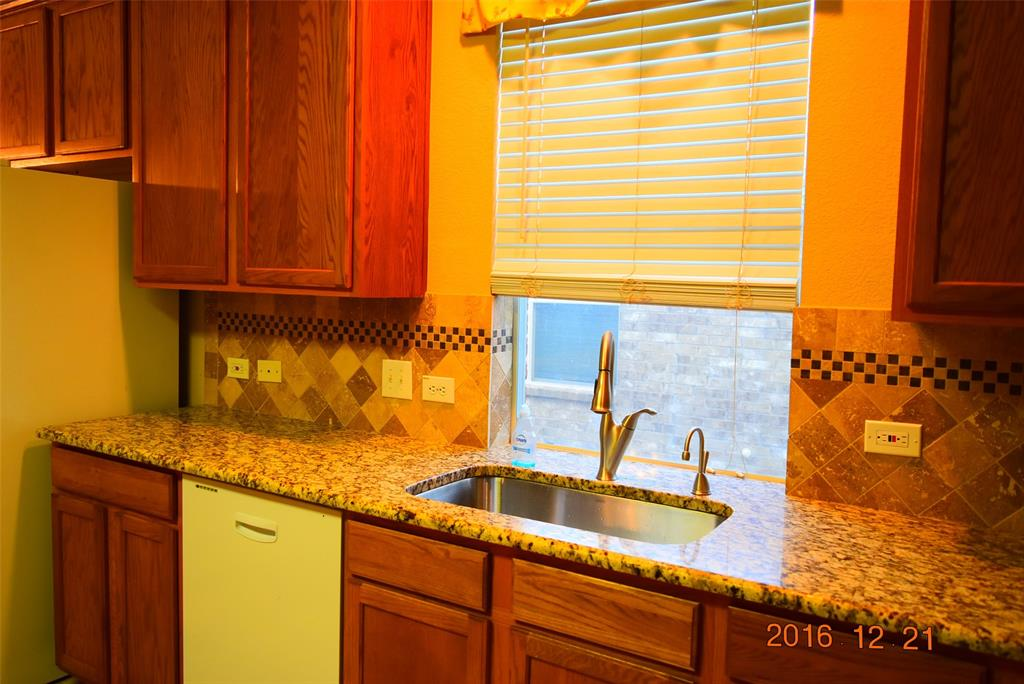 6908 Oak Falls  Drive, McKinney, Texas 75070 - acquisto real estate best celina realtor logan lawrence best dressed realtor
