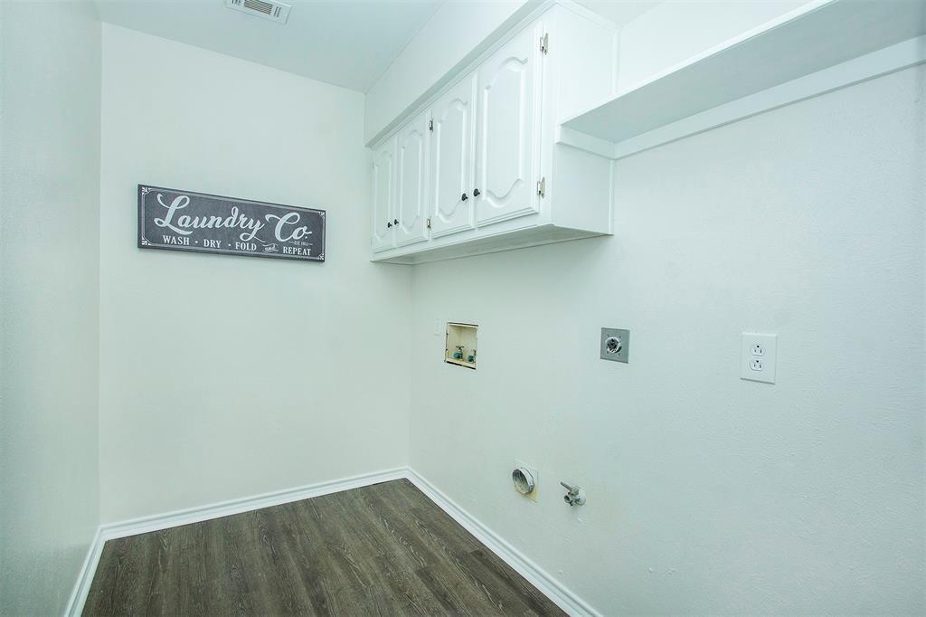 6650 Lovington Drive, Dallas, Texas 75252 - acquisto real estate best negotiating realtor linda miller declutter realtor