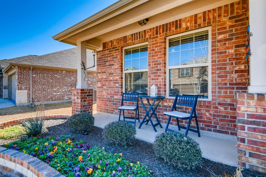 9245 Flying Eagle  Lane, Fort Worth, Texas 76131 - acquisto real estate best prosper realtor susan cancemi windfarms realtor