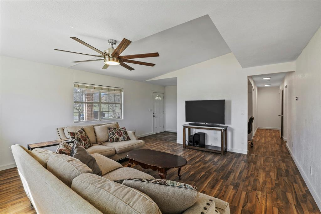 206 Beaudelaire Drive, Weatherford, Texas 76087 - acquisto real estate best celina realtor logan lawrence best dressed realtor