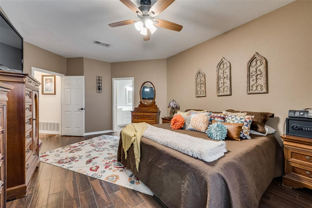 1506 Canterbury Court, Grand Prairie, Texas 75050 - acquisto real estate best investor home specialist mike shepherd relocation expert
