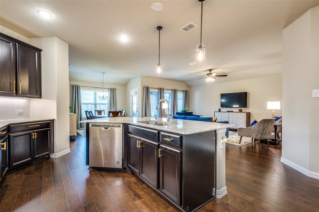 1805 Steppe Trail Drive, Aubrey, Texas 76227 - acquisto real estate best new home sales realtor linda miller executor real estate