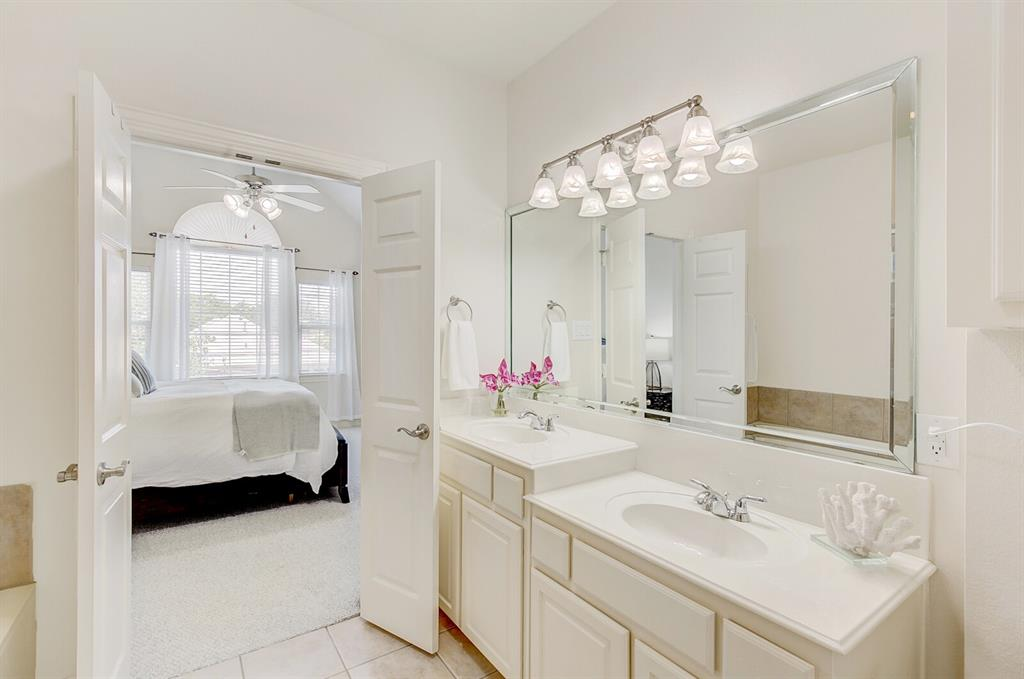 5800 La Vista Drive, Dallas, Texas 75206 - acquisto real estate best investor home specialist mike shepherd relocation expert